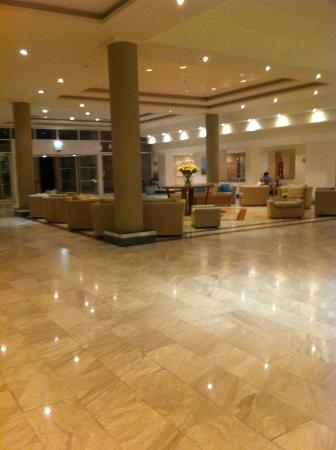 Nissi Beach Resort: lobby