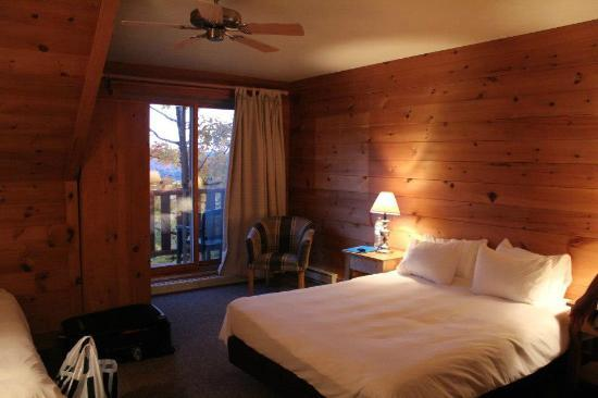 Hotel Sacacomie: Chambre vue lac