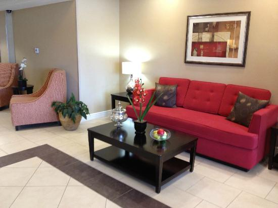 Holiday Inn Express Hotel  & Suites Banning: lobby