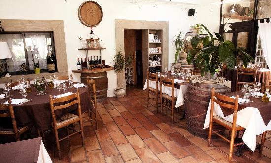 L'Auberge d'Uzes : Salle du restaurant