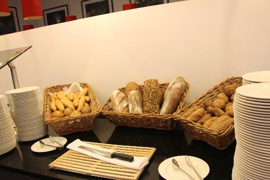 Angelo Hotel Prague: ...Breakfast.