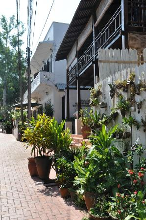 The BelleRive Boutique Hotel: All over in Luang Prabang nice little streets