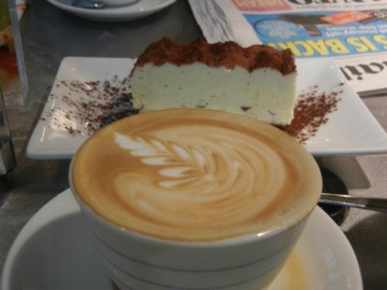 Ca'Puccino: Artful Coffee