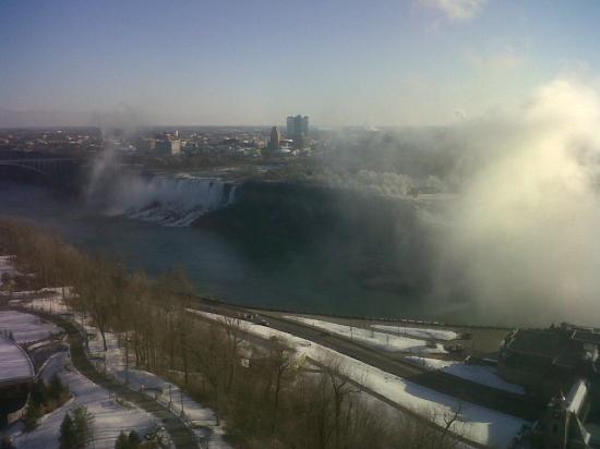 Embassy Suites by Hilton Niagara Falls Fallsview Hotel: American Falls