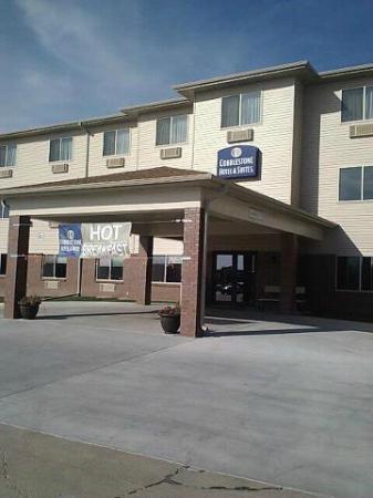 Cobblestone Hotel & Suites Fairbury, NE : Outside of Hotel