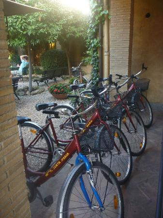 Hotel Santa Maria: Bikes for borrowing
