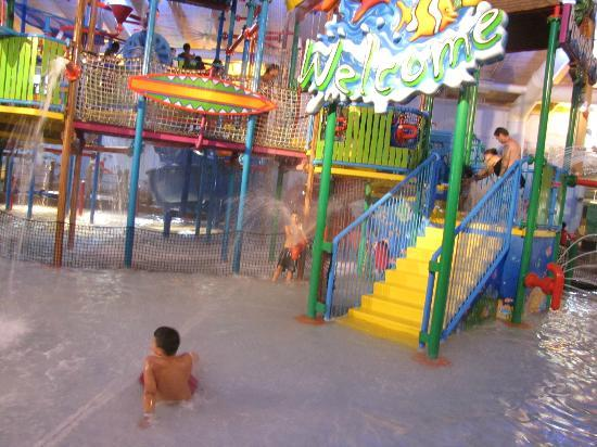 Coco Key Water Resort: lots to do in the water factory