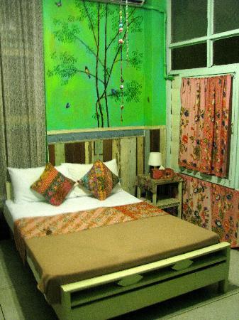 Phranakorn-Nornlen Hotel: Room 201