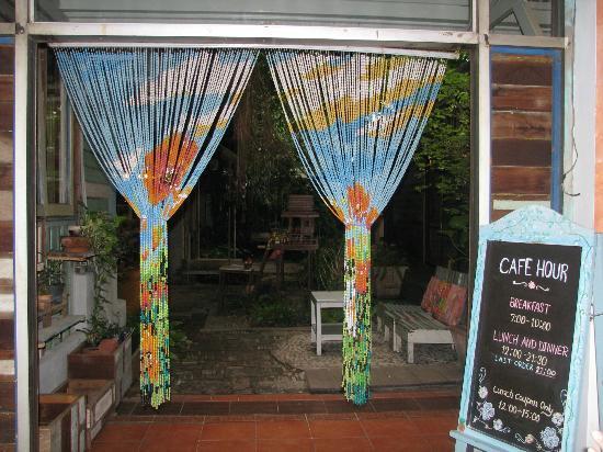 Phranakorn-Nornlen Hotel: Into the kitchen/order area