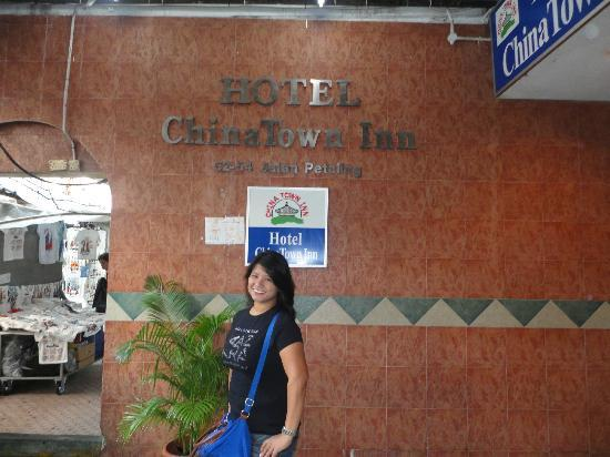 Hotel China Town Inn: the entrance of hotel