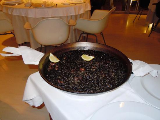 Amarre 152 : Espléndido arroz negro