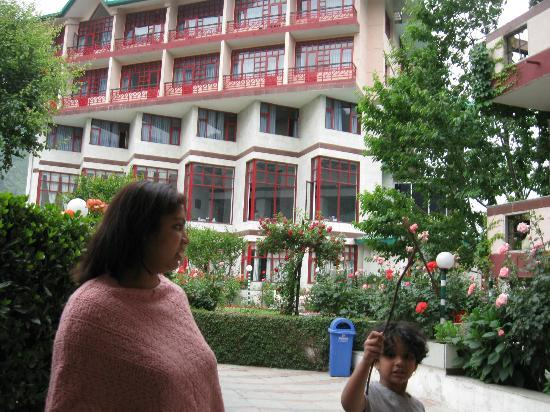 Manali - White Mist, A Sterling Holidays Resort: Main building