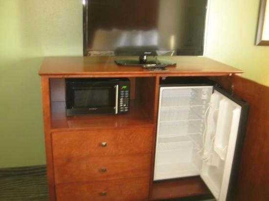 AmericInn Hotel & Suites Des Moines Airport: A great stay! Nov. 2012