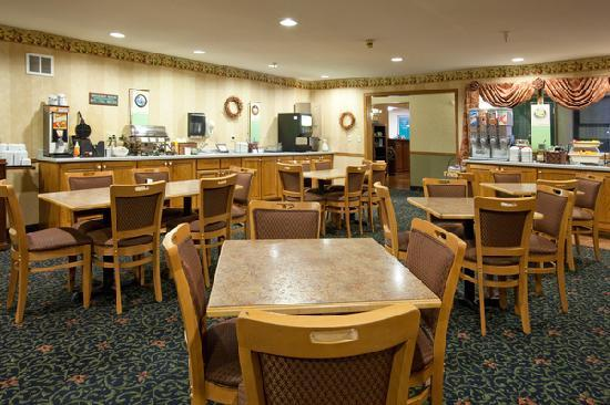 """Country Inn & Suites by Radisson, Cedar Falls, IA: Start your day out right with our complimentary """"Be Our Guest"""" hot breakfast"""