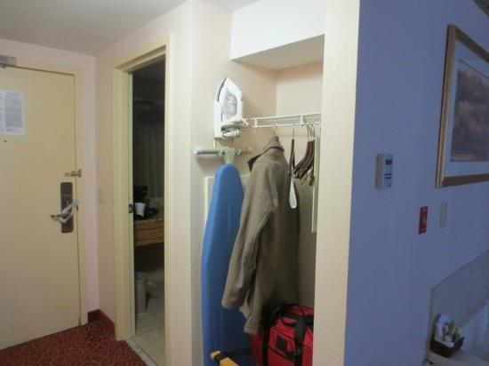 Inn on the Square: Doorless closet