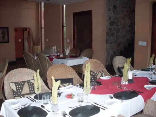 Kololo Game Reserve: Lodge dinner