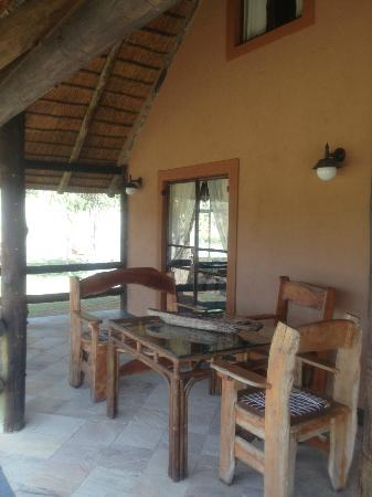 Kololo Game Reserve: Lion's Den Porch