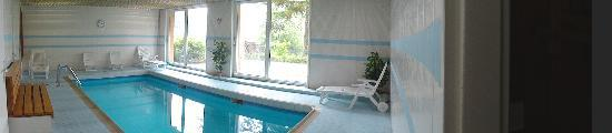 Hotel Notre-Dame de Bonne Fontaine : piscine