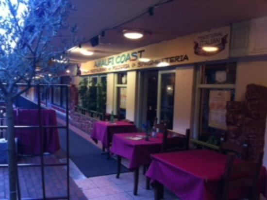 Amalfi Coast Italian Restaurant: Outside tables, overlooking the Innisfallen Shopping Mall beside Italian Olive trees