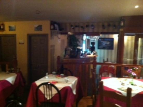 Amalfi Coast Italian Restaurant: Dining area
