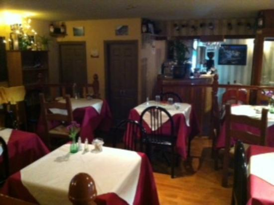 Amalfi Coast Italian Restaurant: Overview of the Restaurant