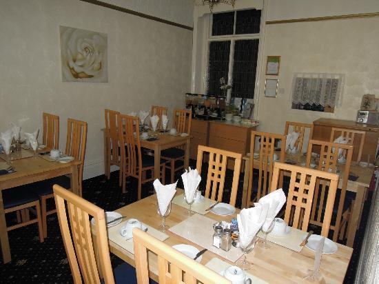 New Derina Hotel: Speisesaal