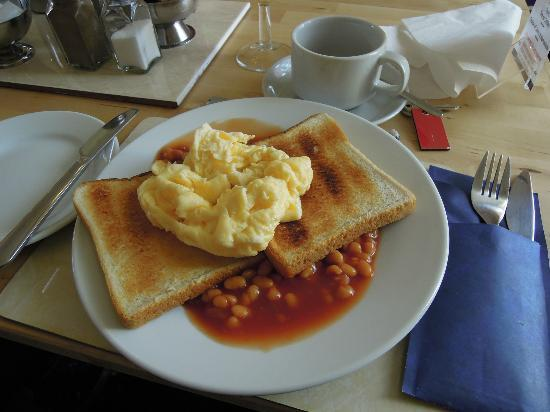 New Derina Hotel: Frühstück