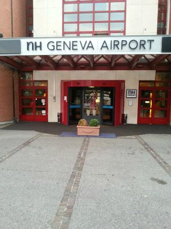 NH Geneva Airport: Entrance
