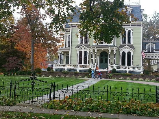 Silas W. Robbins House: The Inn 