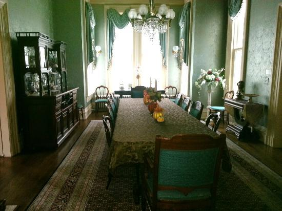 Silas W. Robbins House: Main Dining Room
