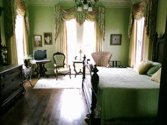 Silas W. Robbins House: Guest Room