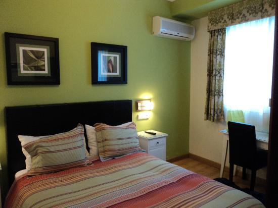 Hostal Adria Santa Ana: single room