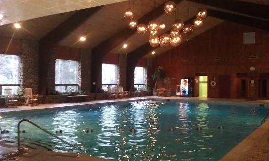The Inn at the Peak: indoor pool
