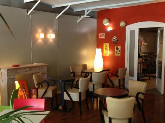 La Dolce Vita: salle du restaurant