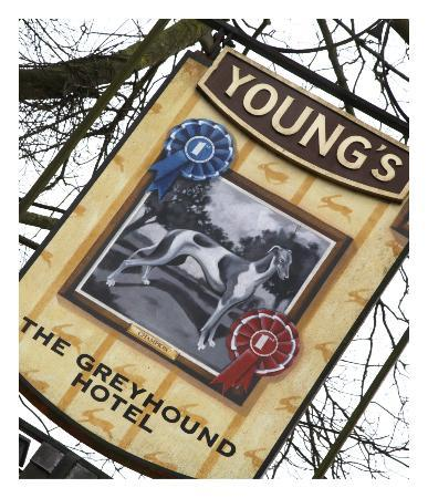The Greyhound Carshalton Hotel: Quality Ales Young's of London
