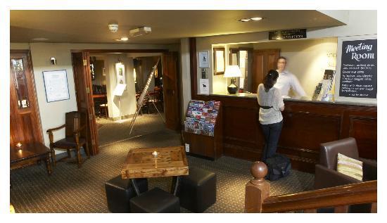 The Greyhound Carshalton Hotel: Our reception area