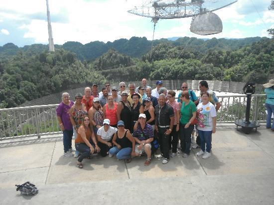 Arecibo Observatory: Grupo de compañeros de Clase Graduada TAM 73 de Yabucoa, PR