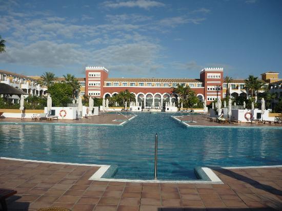 Melia Sancti Petri: Vistas desde la piscina del Hotel