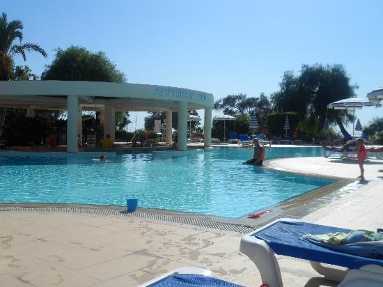 St Raphael Resort: pool area