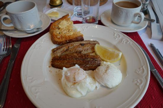 Killiecrankie Hotel: Kippers and eggs for breakfast