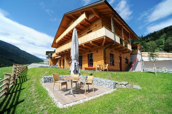 dolomit24 | design apARTments: Sommer auf den großzügigen Terassen und Balkonen