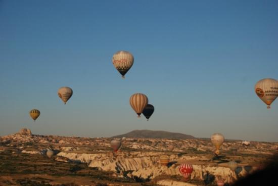 Road Runner Travel - Day Tours: Cappadocia hot air ballooning :))
