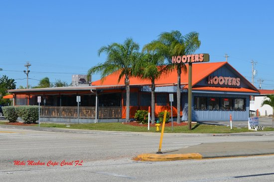 Hooters of Cape Coral