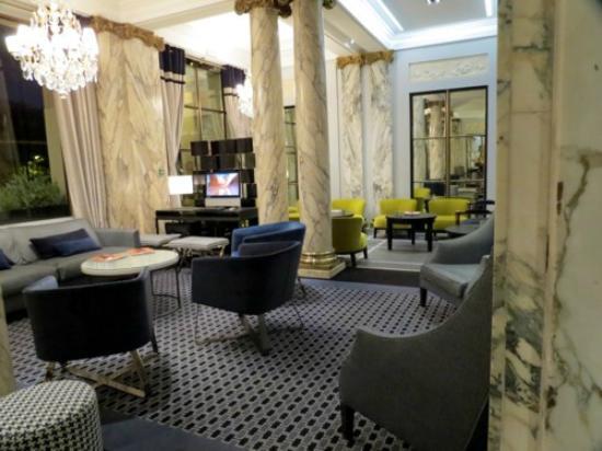 Hotel Brighton - Esprit de France: Salão de estar