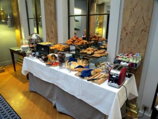 Hotel Brighton - Esprit de France: Café da manhã