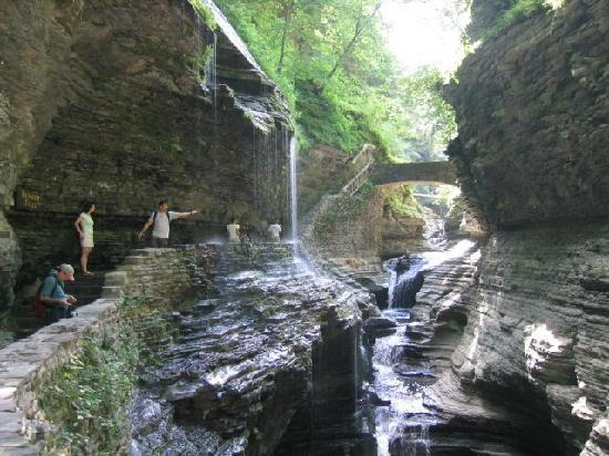 Finger Lakes Wine Country, Нью-Йорк: Hike among the waterfalls of Watkins Glen State Park