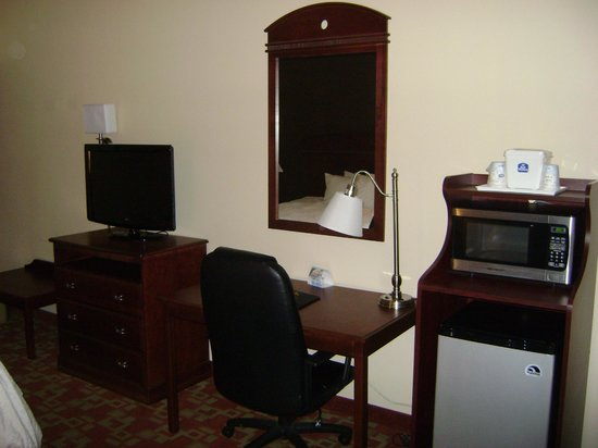 BEST WESTERN Albemarle Inn: All Rooms Have Micro Frig & LCD in All Rooms