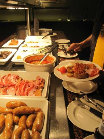 Mercure Chester Abbots Well Hotel: Breakfast Buffet