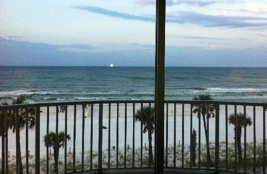 Boardwalk Beach Resort Hotel & Convention Center: view from 4432