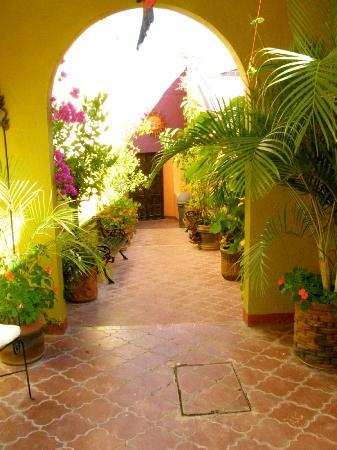 Casa de Aparicio: Entrance Way